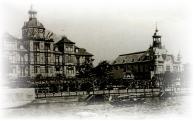 El Tigre Club (casino hasta 1933 y ahora sede de la Dirección de Cultura) y el Tigre Hotel, demolido en 1940.
